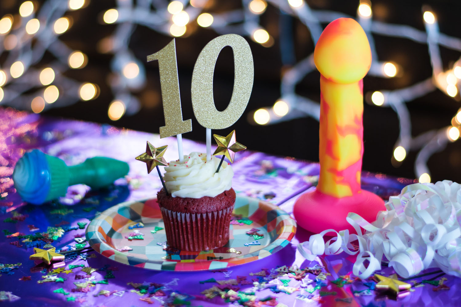 A decade of sex blogging. Cupcake butt plug and Shilo.